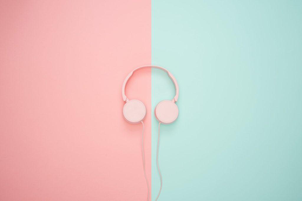 Earphones headset